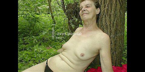 OmaGeiL – Amateur Ladies From Galleries in Video