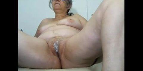 Granny cam play