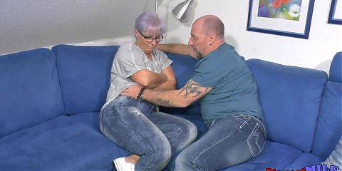 Chubby mature woman cant resist her guy
